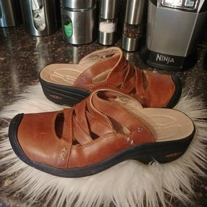 Keen leather mules sz 10